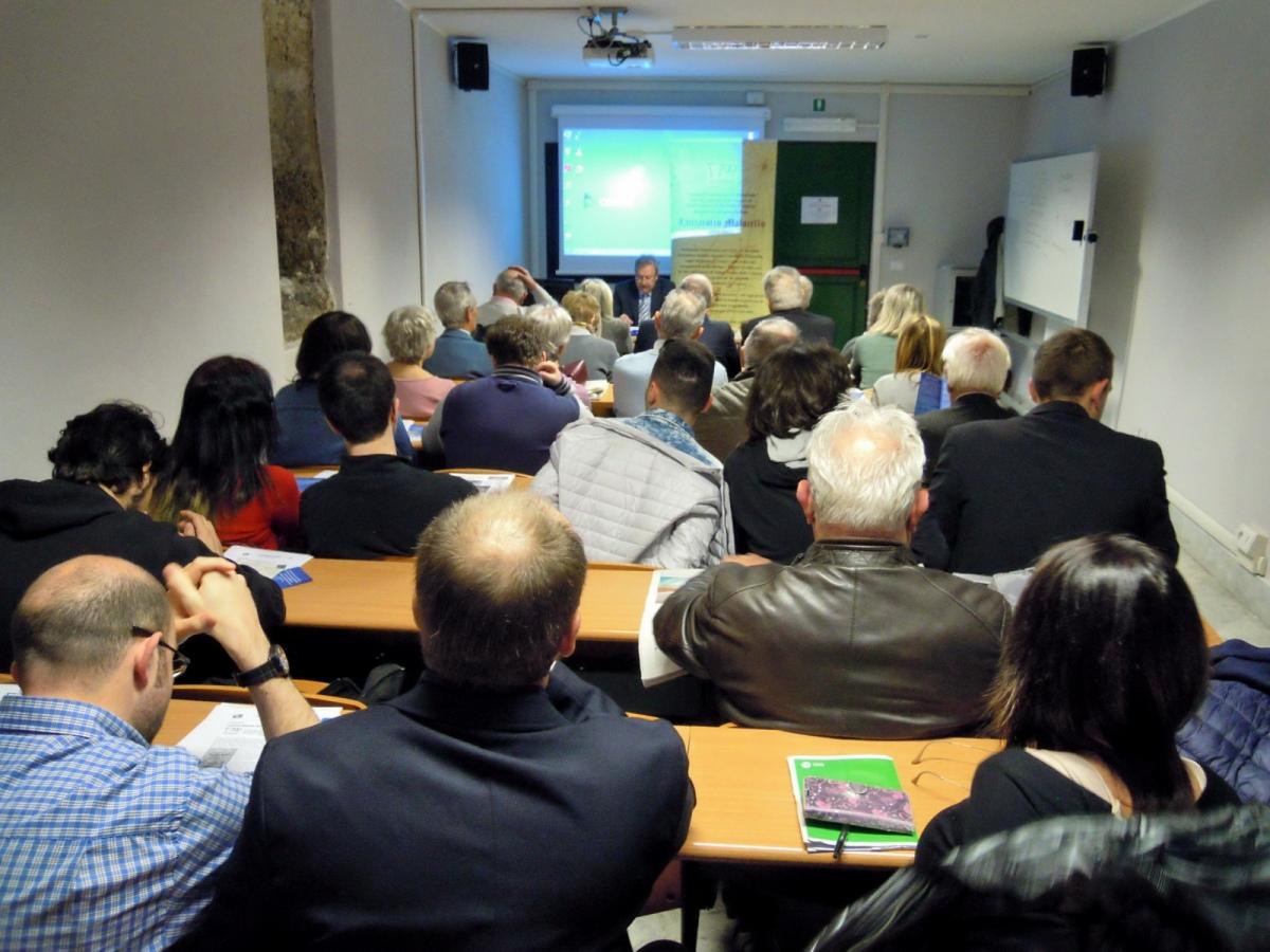 Un folto e attento pubblico per la conferenza su Lanzarotto Malocello